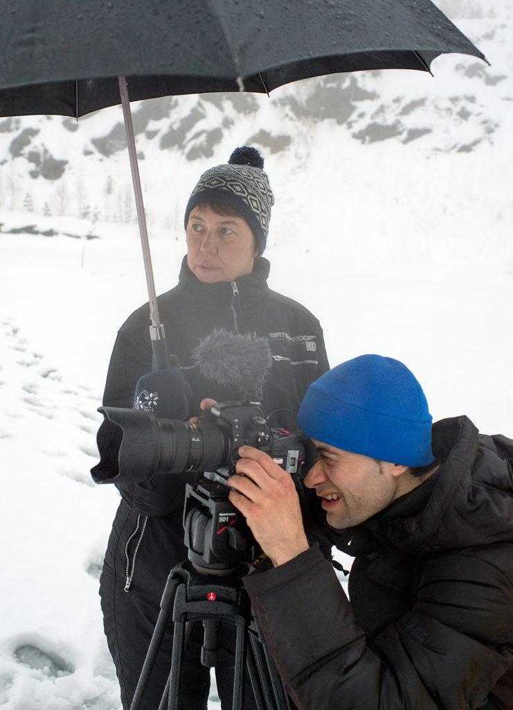 Андрей Вертоградов снимает наземную сцену фильма #Чайка. Анна Булычева ассистирует.